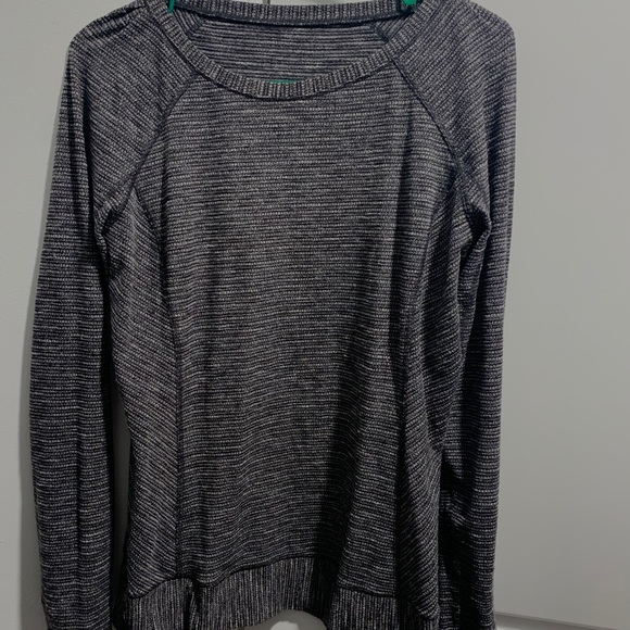 Lululemon Longsleeve with thumbhole